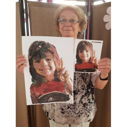 Мими нарисува внука си :)